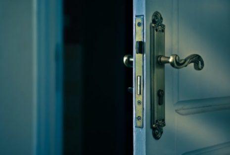 golos-dveri-600x400